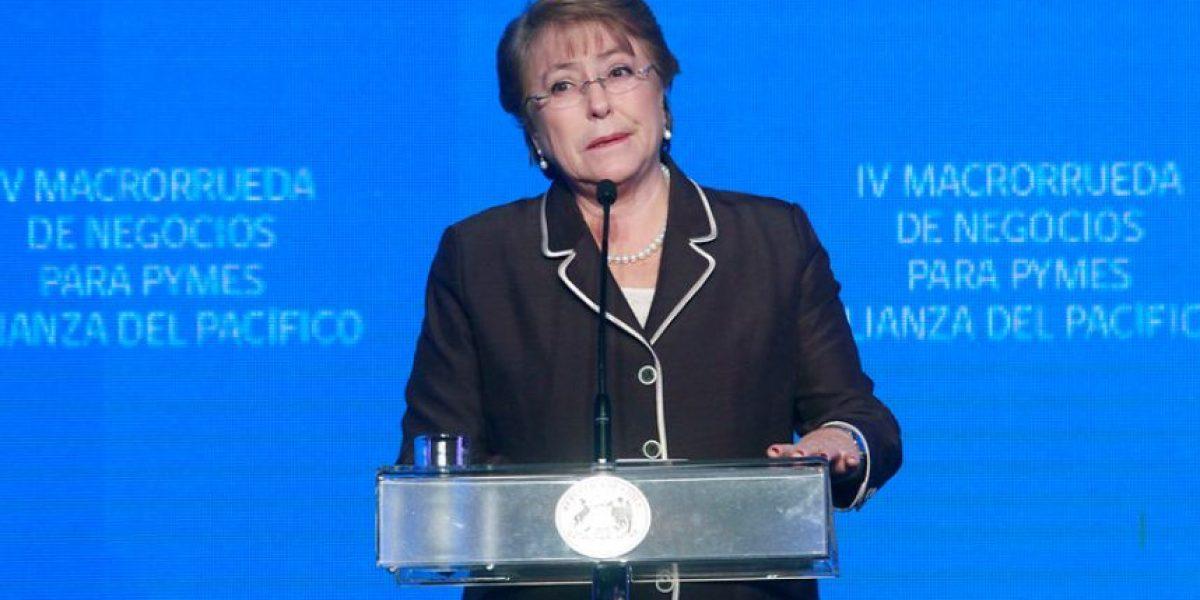 Bachelet llama a dirigentes estudiantiles a hacerse responsables de eventuales daños en marcha