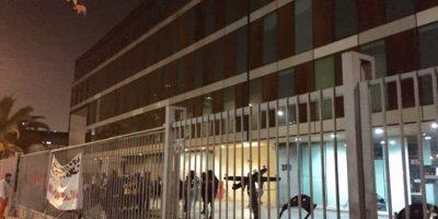 Autoridades de la UDP amenazan a estudiantes con cierre de semestre si no deponen las tomas