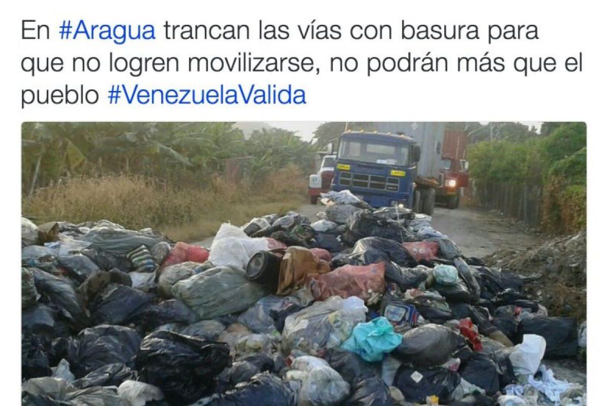 Sucede en diversos puntos de Venezuela Foto:Twitter.com/RevocaloYA. Imagen Por:
