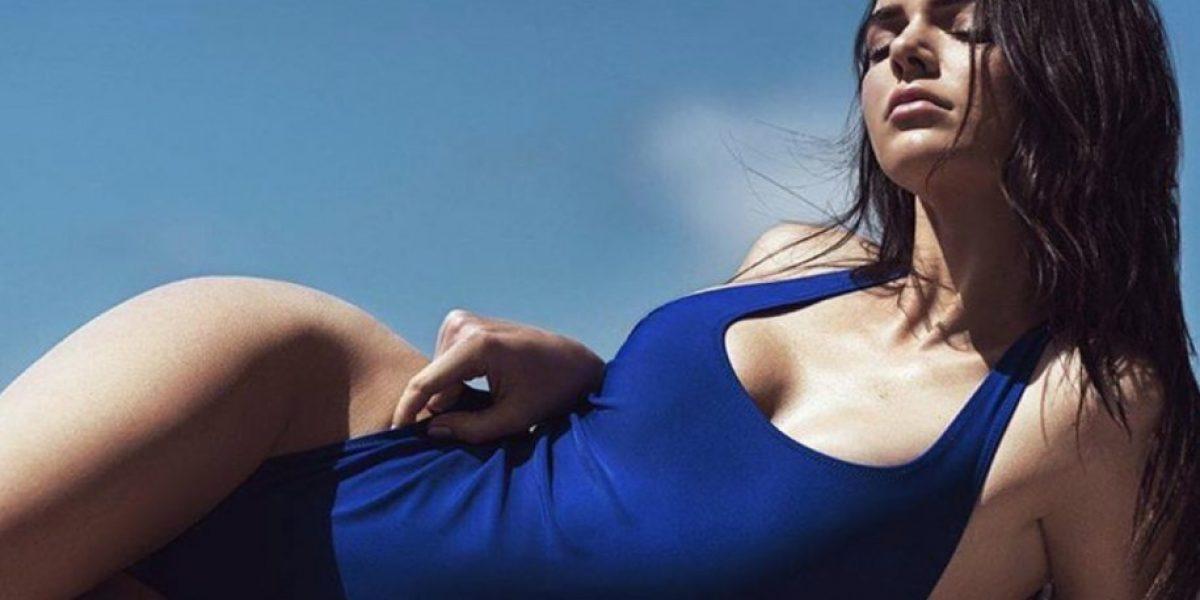 Kendall Jenner dejó ver su piercing más oculto al usar esta blusa