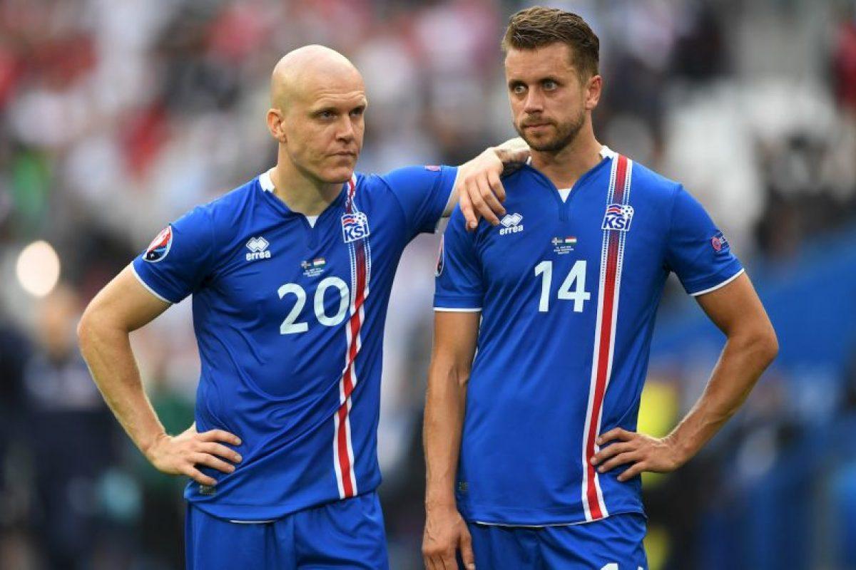 La debutante Islandia suma dos empates, ante Portugal y Hungría, en sus primeros dos partidos y se ilusionan con avanzar a octavos de final Foto:Getty Images. Imagen Por: