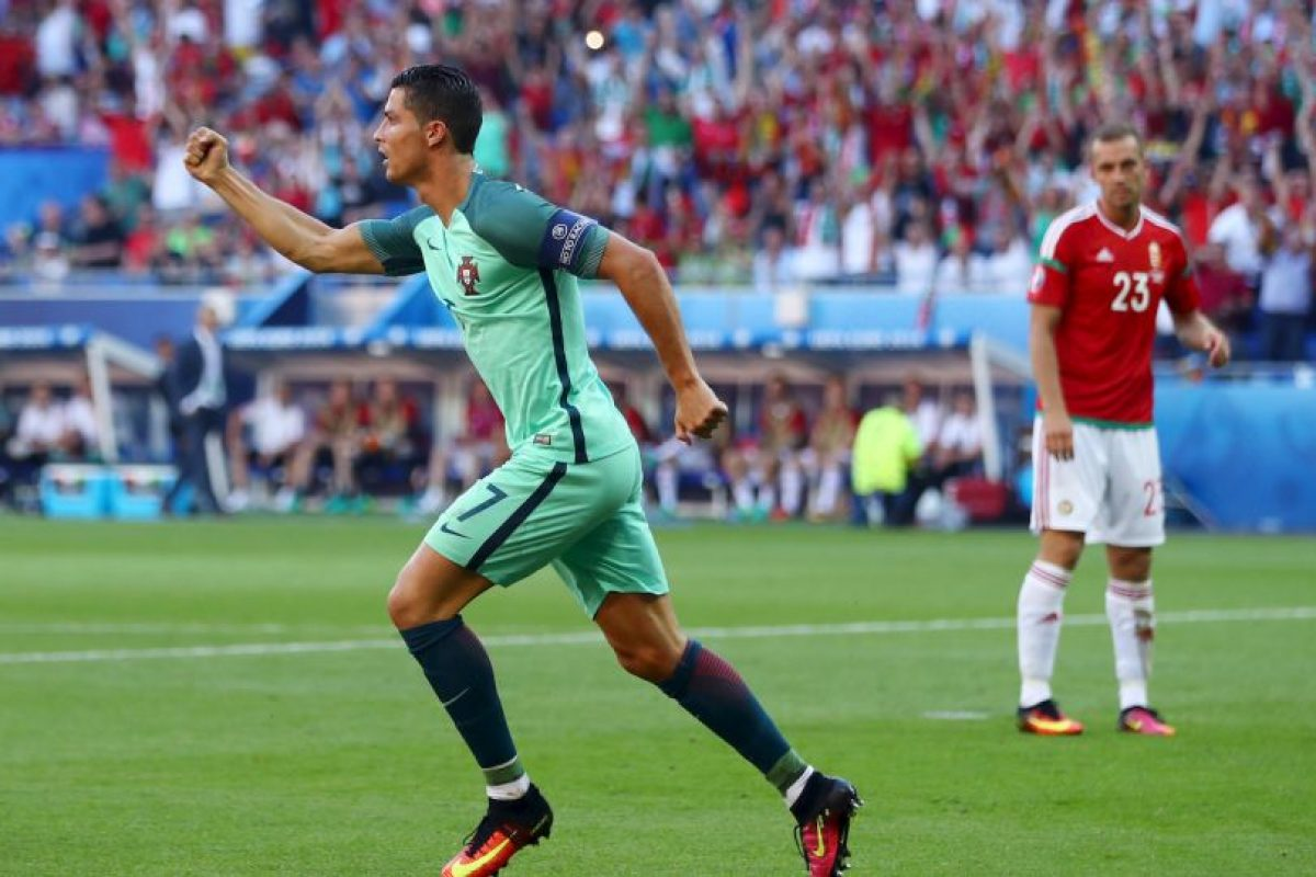 Pese a que tuvo un mal inicio en la Eurocopa, el delantero apareció en el momento justo para anotar un doblete y despacharse una asistencia en el empate a tres tantos de Portugal con Austria Foto:Getty Images. Imagen Por: