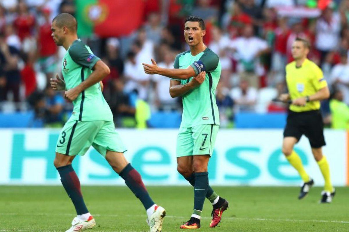 Además, alcanzó 17 actuaciones en la Eurocopa y superó las 16 de Thuram y Van Der Sar Foto:Getty Images. Imagen Por: