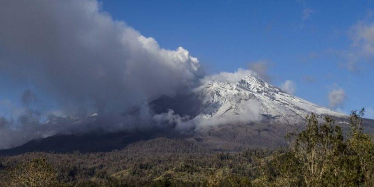 Onemi declaró alerta amarilla para el volcán Calbuco por aumento de sismicidad