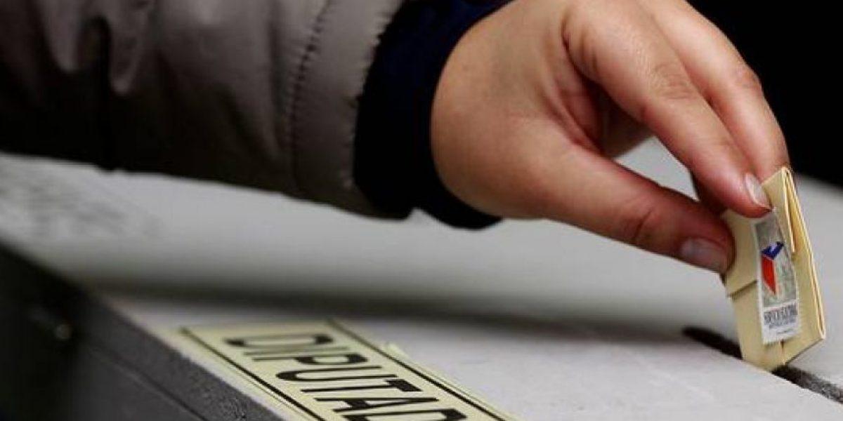 Cones y diputados PS presentan proyecto de ley para votar desde los 16 años