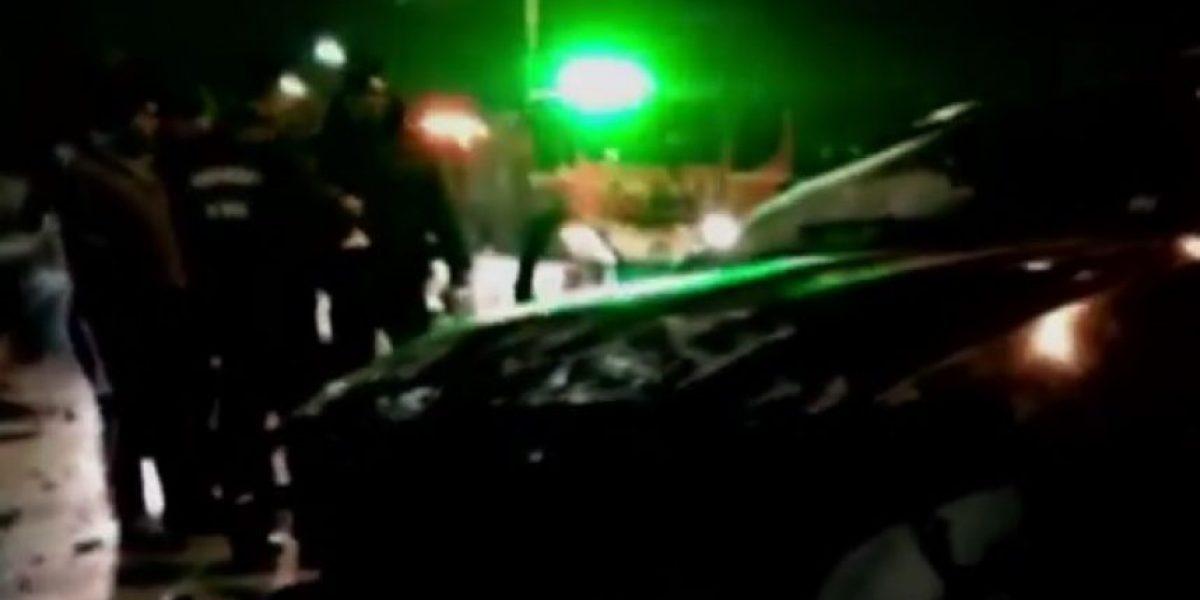 Pérdida total: vehículo de lujo protagonizó accidente de tránsito y quedó abandonado