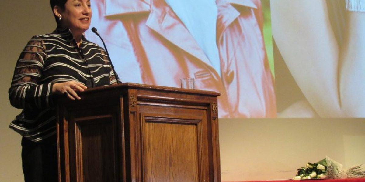 Beatriz Sánchez recibió el primer Premio Raquel Correa de periodismo