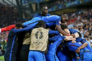 Francia pudo ganar su grupo y revalidó su condición de local Foto:Getty Images. Imagen Por: