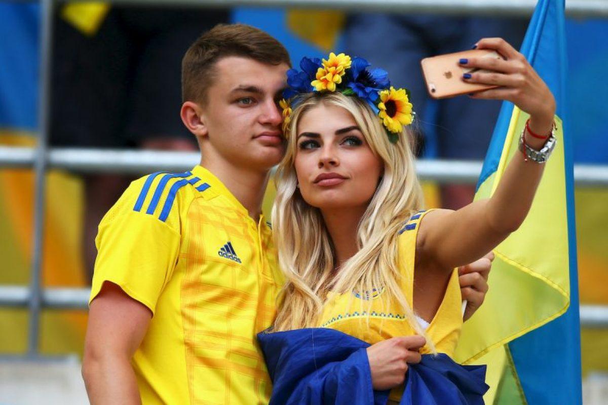 Las fans más guapas de la primera fase de la Euro 2016 Foto:Getty Images. Imagen Por: