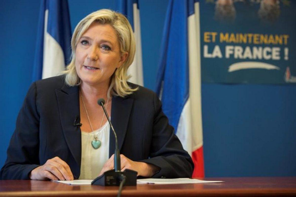 La presidenta del ultraderechista Frente Nacional (FN), Marine Le Pen (Francia). Foto:EFE. Imagen Por: