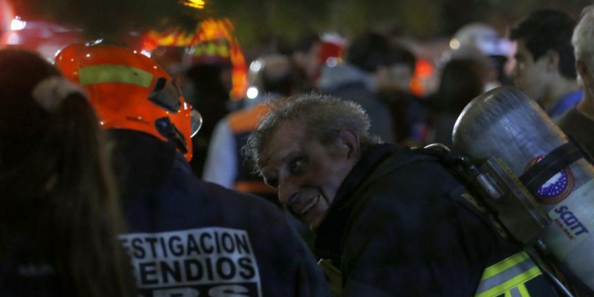 Una víctima fatal dejó incendio que afectó a dos casas en Renca