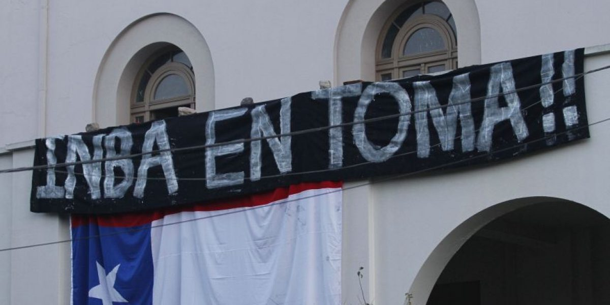 Municipio de Santiago despide a dos profesores del INBA por incitar tomas