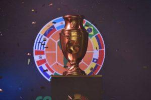 El inédito trofeo de la Copa América Centenario busca dueño Foto:Conmebol.com. Imagen Por: