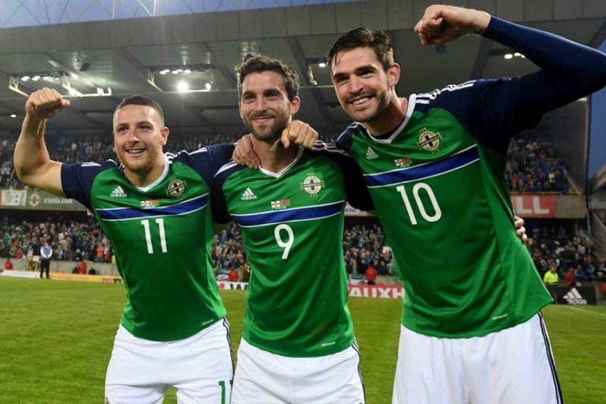 "Ellos cantan ""Will Grigg is on fire"". Foto: Getty Images. Imagen Por:"