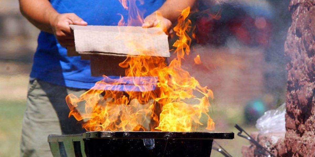 Experto explica cómo hacer un asado menos contaminante