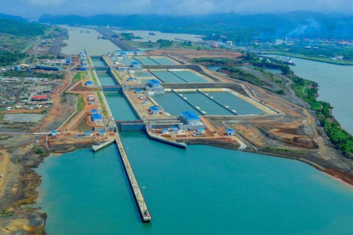 La vía interoceánica es una de las rutas más importantes del mundo y es vital para las exportaciones chilenas. Foto:EFE/Autoridad del Canal de Panamá. Imagen Por: