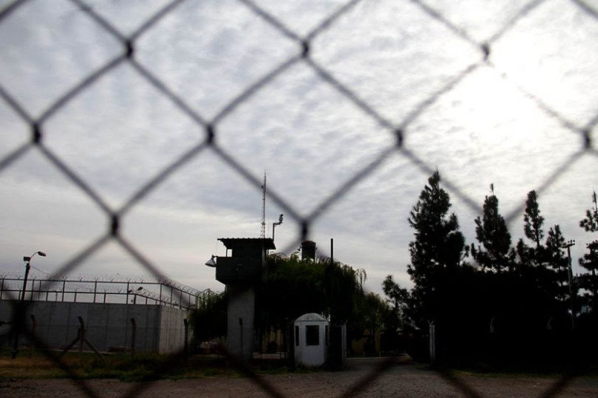 El penal de Punta Peuco, al norte de Santiago, es el lugar de reclusión de ex militares condenados por cometer crímenes contra los derechos humanos. Foto:AgenciaUno. Imagen Por: