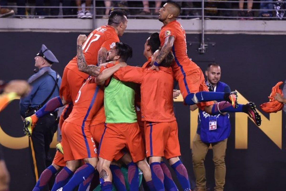 Chile volvió a celebrar ante Argentina Foto:AFP. Imagen Por: