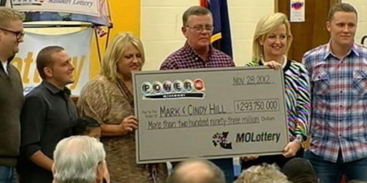 Ganador de lotería construyó estación de bomberos para su pueblo