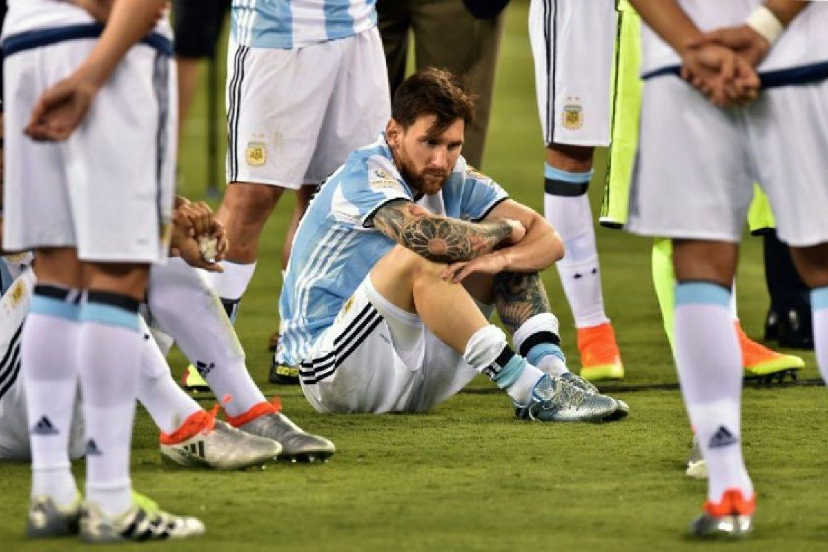 'Ya está, ya lo intenté mucho', fueron las palabras de un Lionel Messi que no aguantó el llanto Foto:AFP. Imagen Por: