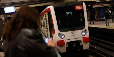 Mujer da a luz en plena estación Los Héroes del Metro