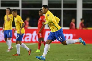 Luego de decepcionar con Brasil en la Copa América Centenario, el delantero encontró nuevo destino Foto:Getty Images. Imagen Por:
