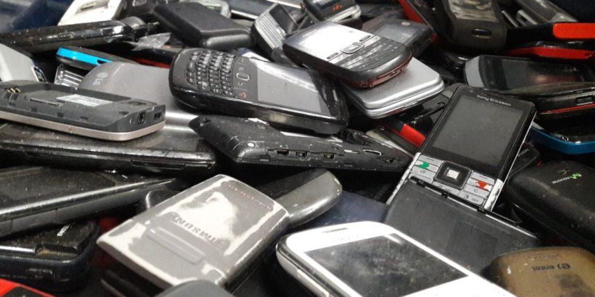 Así se reciclan los teléfonos celulares en Chile