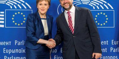 Sturgeon admite que aún es