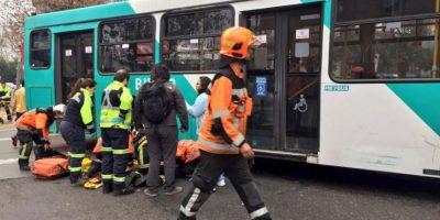 Bus del Transantiago atropella a peatón y genera congestión en la Alameda