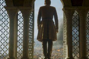 Cuando Tommen se suicida, cumpliendo así la profecía que aqueja a Cersei de que morirán todos sus hijos. Foto:HBO. Imagen Por: