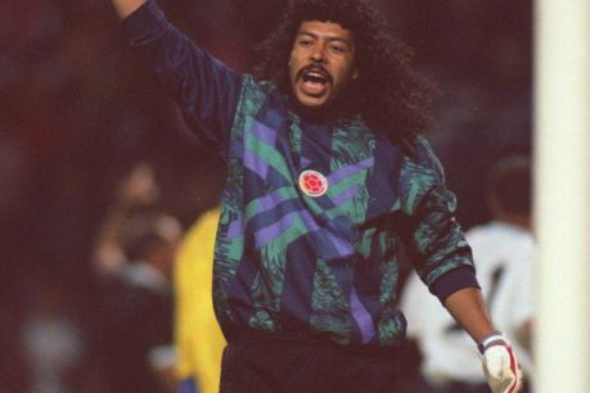 Otra arquero que tampoco tentaba al destino era René Higuita, quien siempre utilizaba la misma ropa interior Foto:Getty Images. Imagen Por: