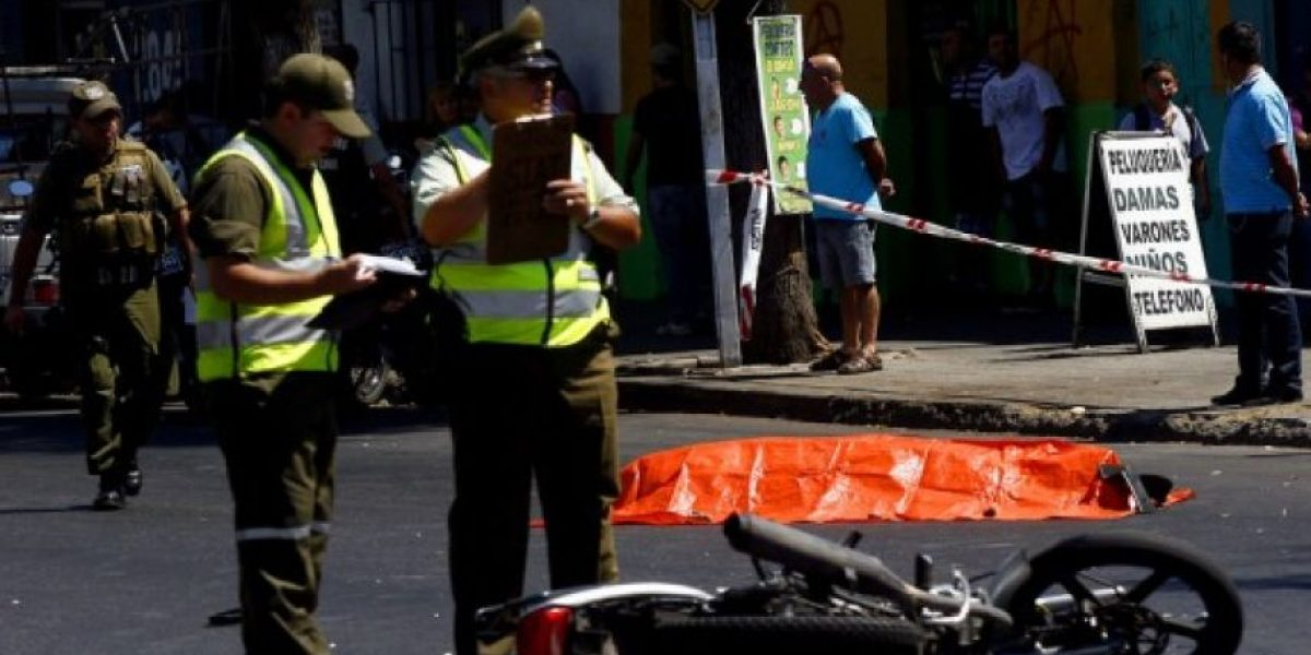 Motociclista muere al chocar contra camión mal estacionado en el Biobío