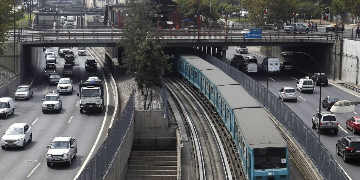 Santiago inaugura el primer sistema de autos compartidos del país