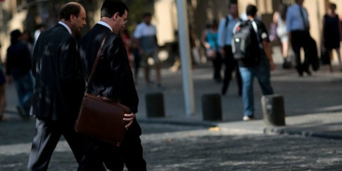 Trabajadores con estudios universitarios fueron los que más perdieron su empleo