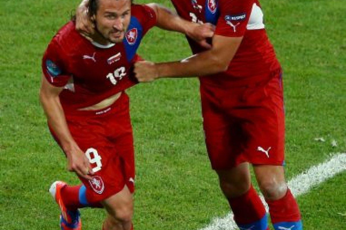 Petr Jiracek es el quinto gol más rápido de la Eurocopa. El checo se demoró 2:14 minutos en anotar uno de los tantos en la victoria por 2 a 1 de su selección ante Grecia en la fase de grupos de la Eurocopa 2012 Foto:Getty Images. Imagen Por: