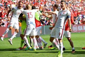Robert Lewandowski buscará su primer gol Foto:Getty Images. Imagen Por: