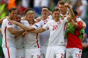 Polonia pasó tras ganar en penales a Suiza Foto:Getty Images. Imagen Por: