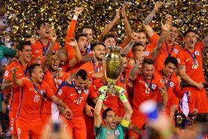 Ahora jugará contra el campeón de la Eurocopa, según confirmó Alejandro Domínguez, presidente de la Conmebol, en su cuenta de Twitter Foto:Getty Images. Imagen Por: