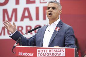 Sediq Khan, descendiente de pakistaníes, es el alcalde de Londres desde hace un par de meses. Foto:AFP. Imagen Por:
