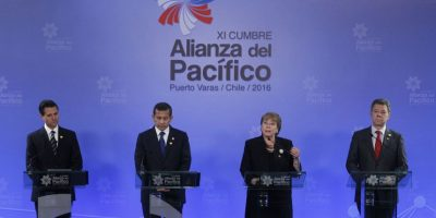Cumbre de Alianza del Pacífico culmina con compromiso de más integración para enfrentar el Brexit