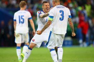 Martin Skrtel, que estaba debutando con Eslovaquia en la Euro, avaló el insulto de un amigo a Jurgen Klopp y aseguró 'espero que vea este posteo' Foto:Getty Images. Imagen Por:
