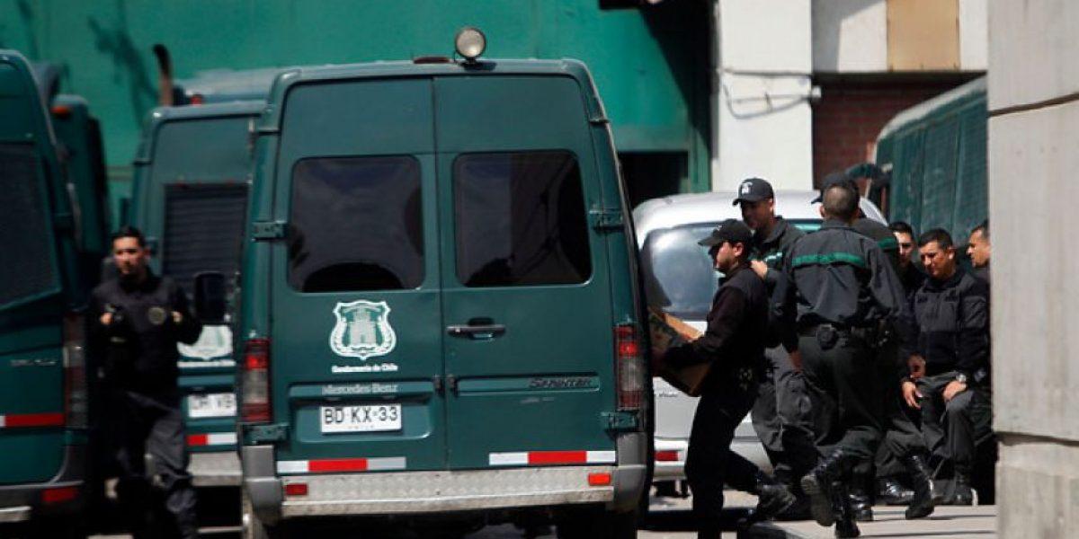 Reos de alta peligrosidad escapan desde un bus de Gendarmería en Chillán