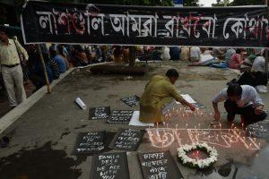 Homenaje a las víctimas del ataque del Isis en Bangladés llevado a cabo este viernes. Foto:AFP. Imagen Por: