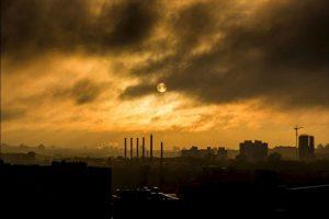 La capa de ozono es crucial para la supervivencia de los seres humanos debido a que absorbe o bloquea la radiación solar ultravioleta que es dañina para los seres vivos. Foto:Pixabay. Imagen Por:
