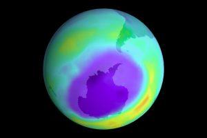 """Un grupo de investigadores encontró evidencia clara que indica que el agujero de la capa de ozono sobre la Antártida se está """"curando"""". Foto:NASA. Imagen Por:"""