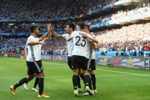 Alemania corre con cierta ventaja en el favoritismo, pero la historia también pesa y nunca han vencido a Italia en un torneo grande Foto:Getty Images. Imagen Por: