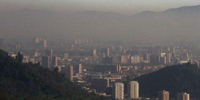 Gobierno confirma que prohibirá el uso de leña en Santiago a partir del 2017