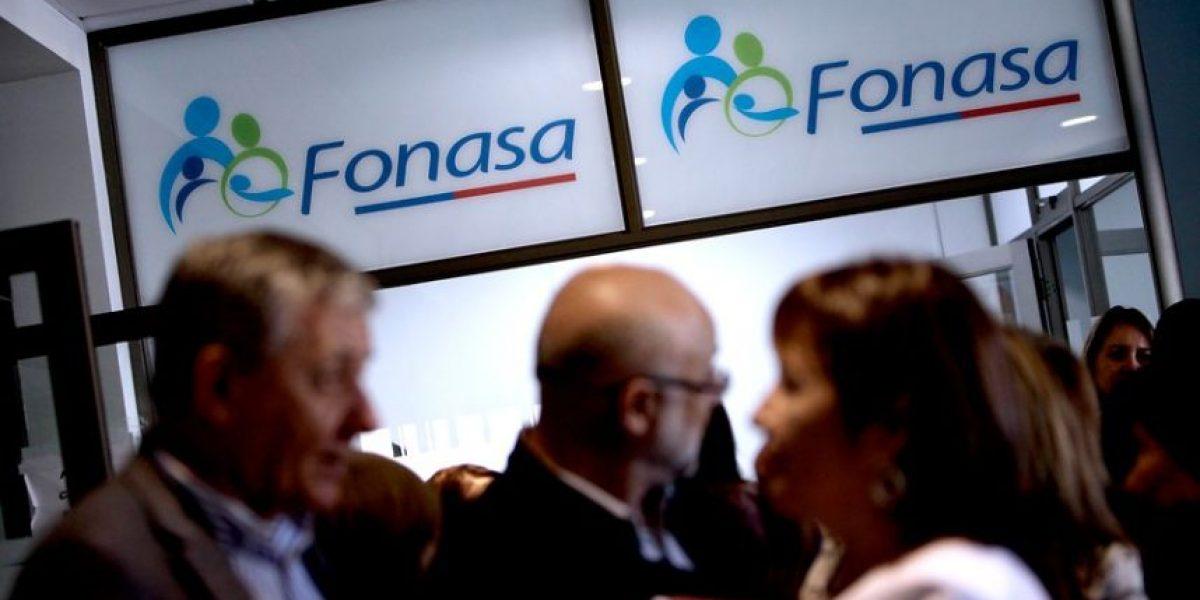 Fallo ordena a ex director de Fonasa devolver más de $54 millones al Fisco