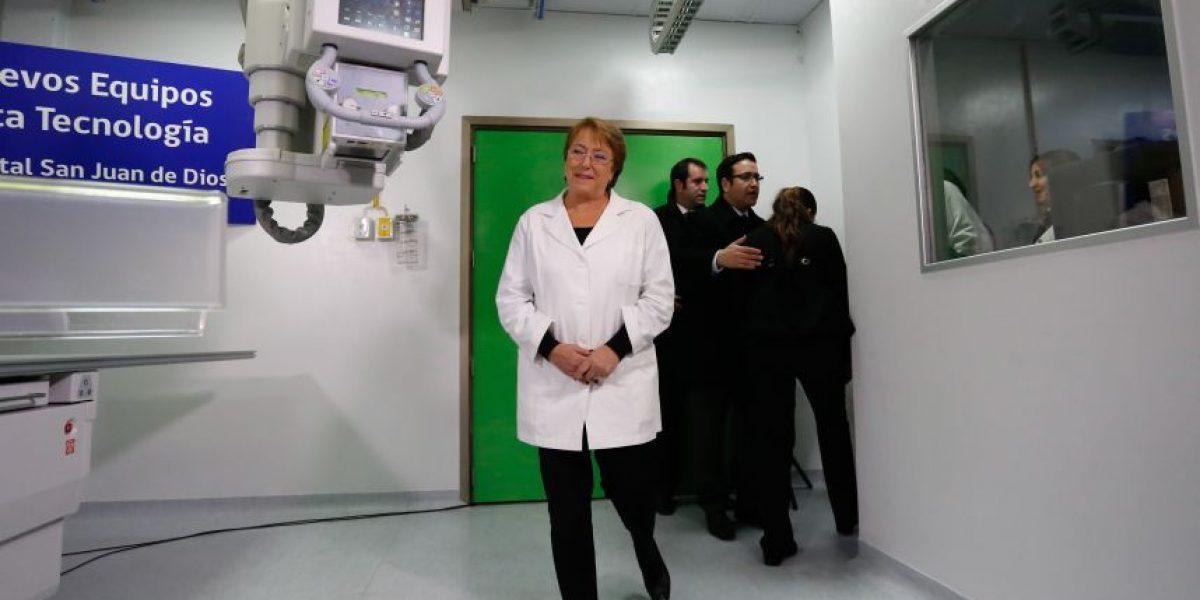 Presidenta Bachelet encabezó entrega de equipos en Hospital San Juan de Dios