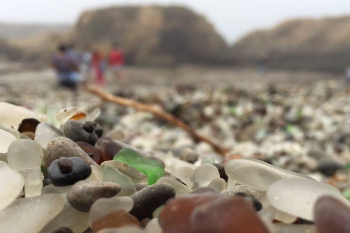 Algunos de los recuerdos de Glass Beach, en Fort Bragg, California Foto:Twitter.com/erinLYYC. Imagen Por: